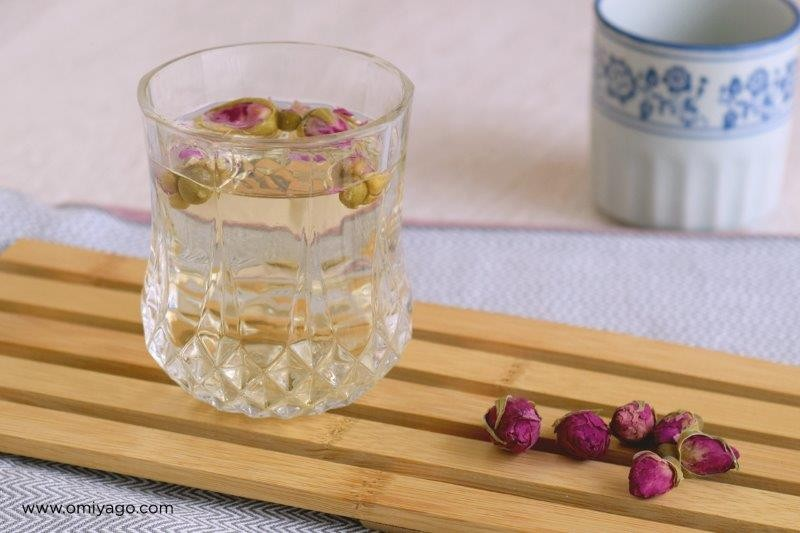 teh-enchantea-red-rosebud