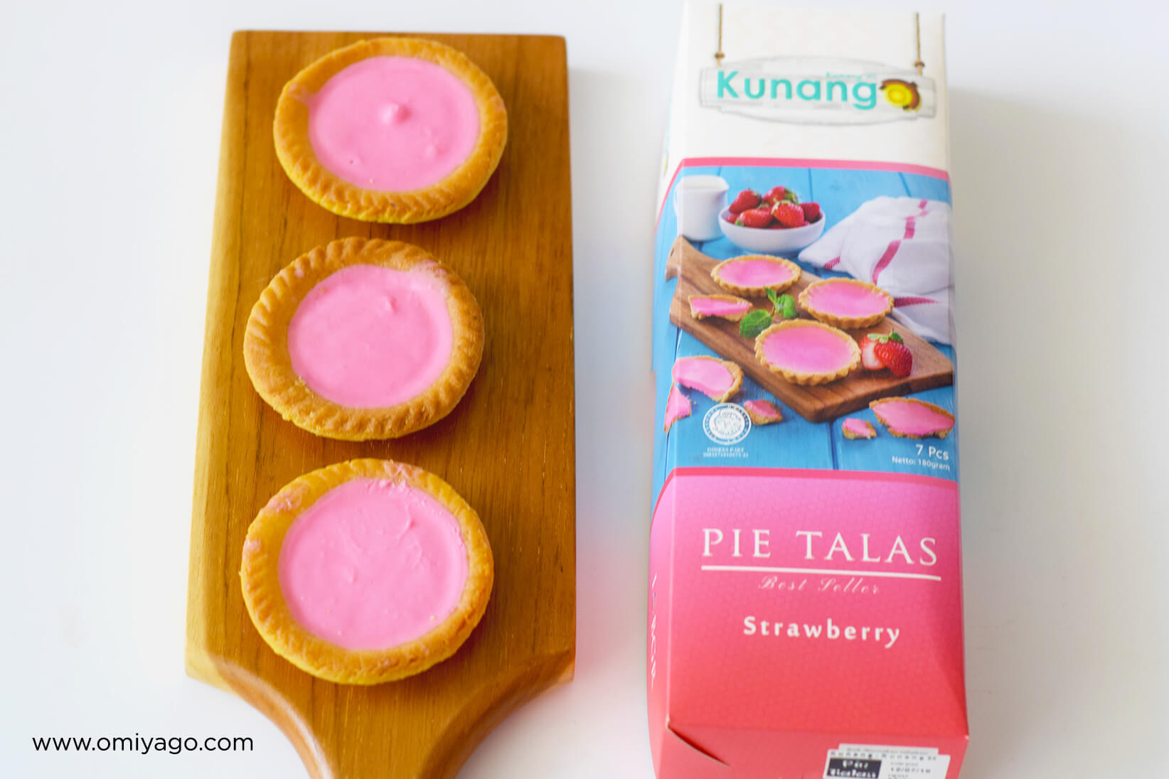 Pie Talas Kunang Strawberry